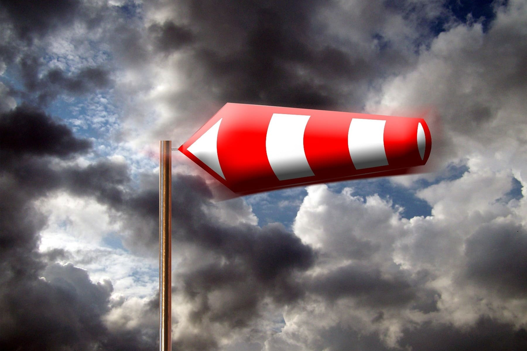 Windsack_vor_Wolken